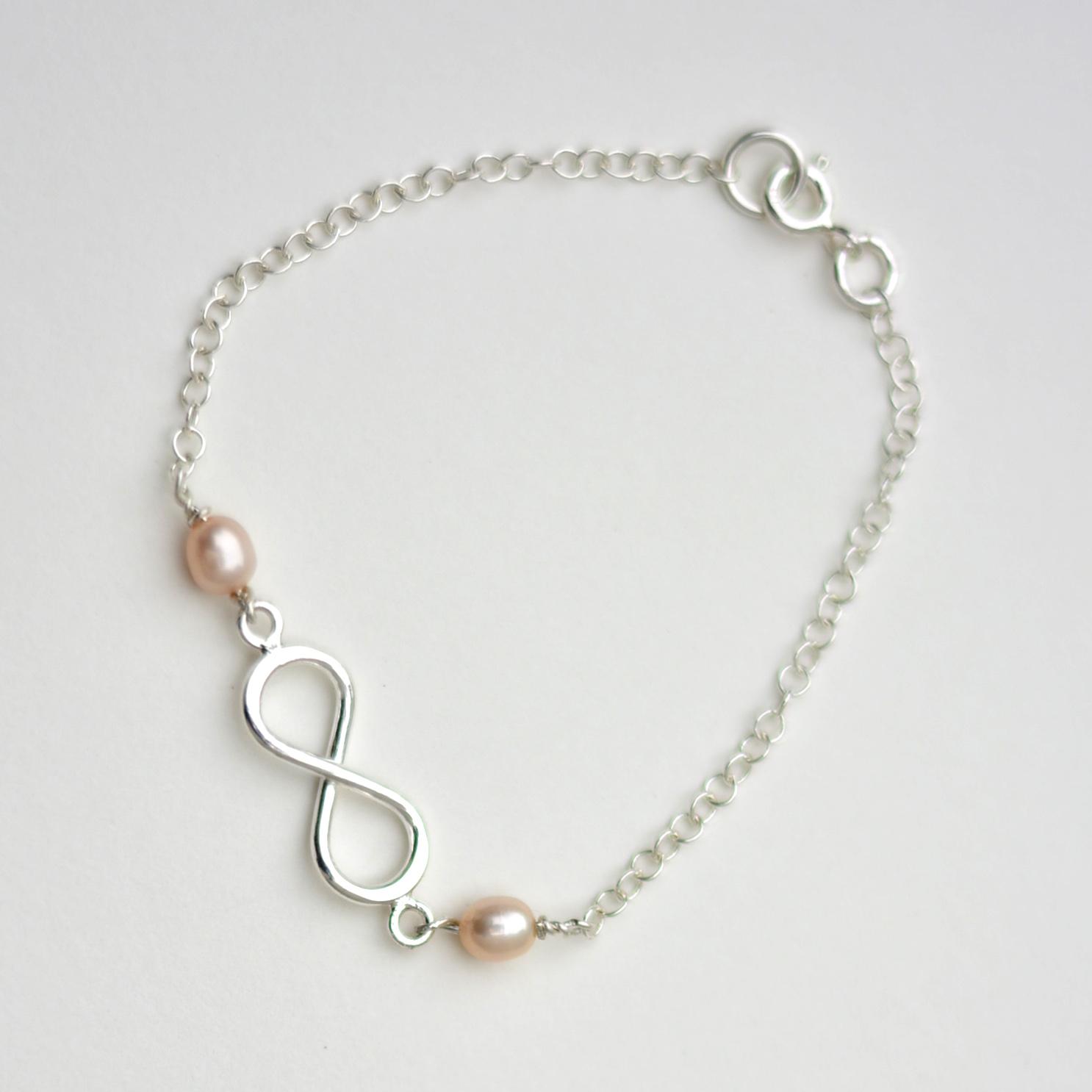 de6791c1b5a0 Pulsera Infinito con Perlas - Ornamento